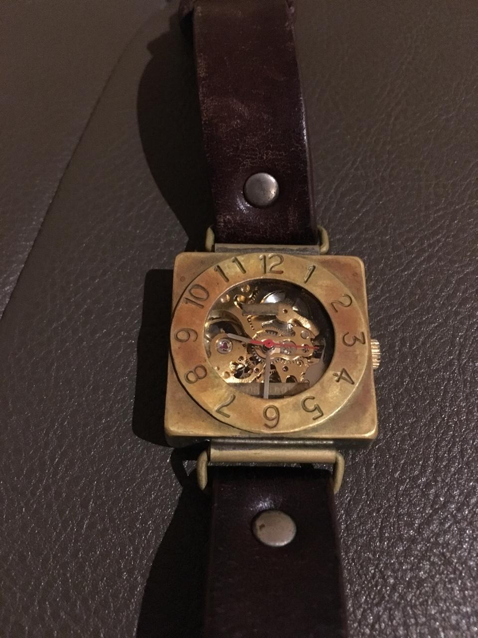 動かなくなった時計